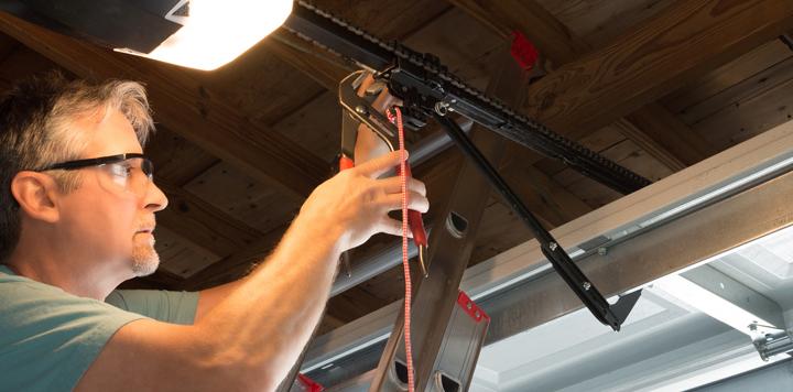 Garage Door Technician Webster 14580 New York